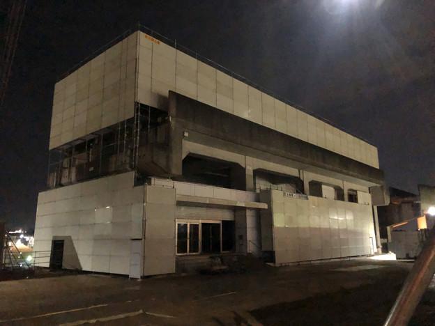 桃花台線の桃花台東駅撤去工事(2020年1月24日):ホーム部分も覆われる - 5