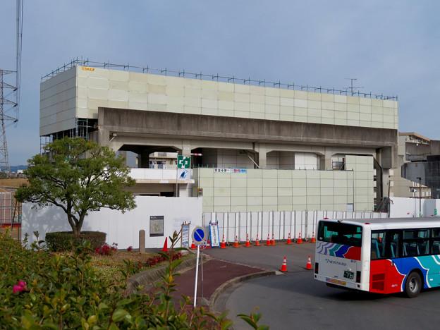 桃花台線の桃花台東駅撤去工事(2020年1月25日):ホーム部分も覆われる - 8