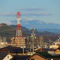 春日井市内から見えた薄っすら雪を頂く恵那山と笠雲 - 2