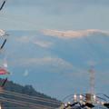 春日井市内から見えた薄っすら雪を頂く恵那山と笠雲 - 3