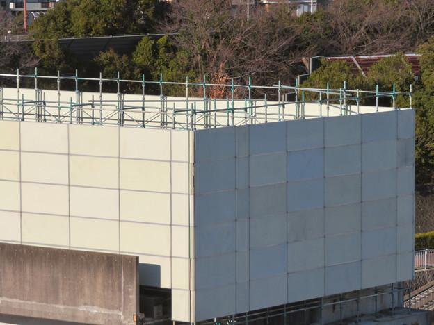 桃花台線の桃花台東駅解体工事(2020年2月6日) - 12:ホーム部分が概ね撤去?