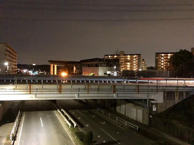 桃花台線の桃花台東駅撤去工事(2020年2月7日) - 1:駅舎上部のホーム部分が撤去