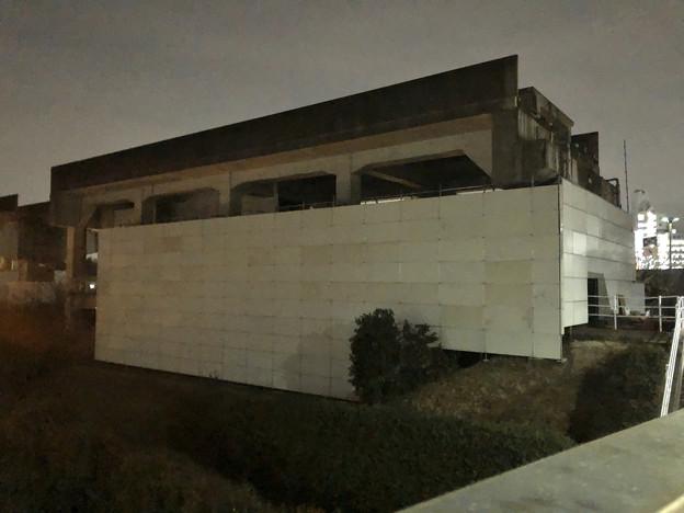 桃花台線の桃花台東駅撤去工事(2020年2月7日) - 10:駅舎上部のホーム部分が撤去
