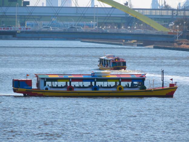 中川運河を移動する2艘の水上バス「クルーズ名古屋」の船 - 4