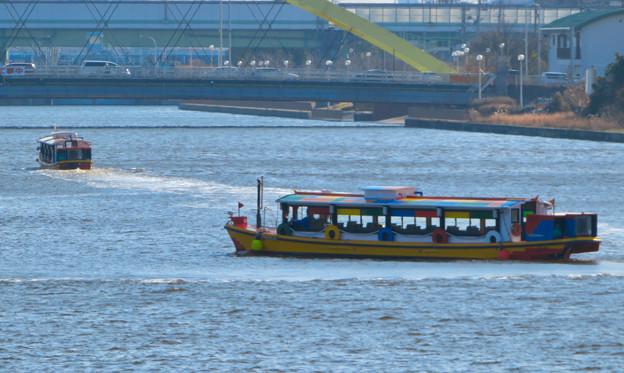 中川運河を移動する2艘の水上バス「クルーズ名古屋」の船 - 6