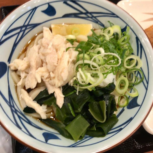 Photos: 丸亀製麺:蒸し鶏ぶっかけ - 1