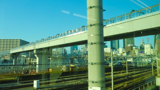 あおなみ線の車内から見た「ささしま米野歩道橋」 - 2