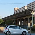 愛知県武道館の旧・鉄道高架と見られる建物の上の太陽光発電パネル - 3