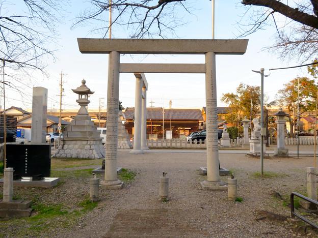 白山神社 - 60:二子山公園側の鳥居