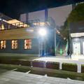 Photos: 一昨日オープンしたばかりの「ミツコシマエヒロバス」(夜) - 6:1階レストランとトイレ