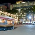 Photos: 一昨日オープンしたばかりの「ミツコシマエヒロバス」(夜) - 9:1階レストラン前の広場