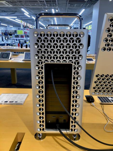Mac Pro(2019モデル )- 4:背面