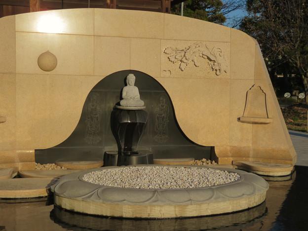 密蔵院裏の墓地にある仏像 - 4