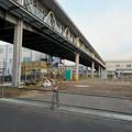 真下から見た神領駅の陸橋 - 5