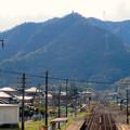 坂祝駅 - 3:陸橋の上から見た猿啄城展望台