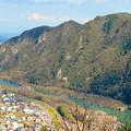 猿啄城展望台の登山道から見た景色 - 6:木曽川と犬山北部の山々