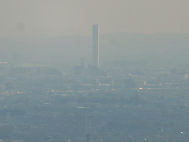 猿啄城展望台から見た景色 - 37:三菱電機稲沢製作所のエレベータ試験棟
