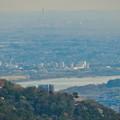 猿啄城展望台から見た景色 - 53:三菱電機稲沢製作所のエレベータ試験棟