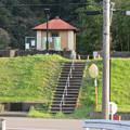 Photos: 坂祝町:木曽川沿いにある小屋の様な建物 - 2