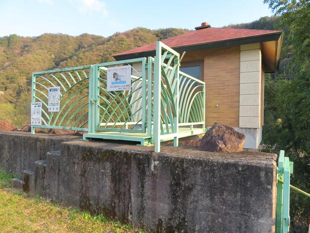 坂祝町:木曽川沿いにある小屋の様な建物 - 4