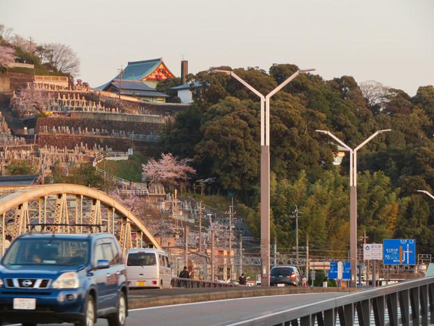 犬山橋から見上げた犬山成田山 - 2