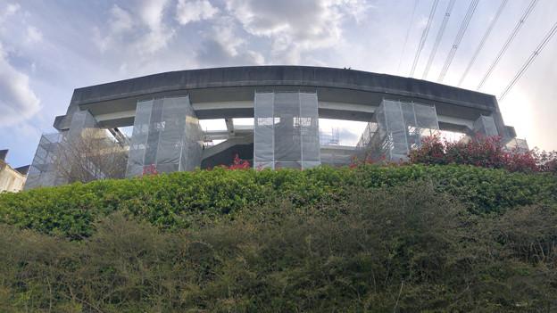 解体工事中の桃花台線桃花台東駅(2020年4月11日) - 23:パノラマ