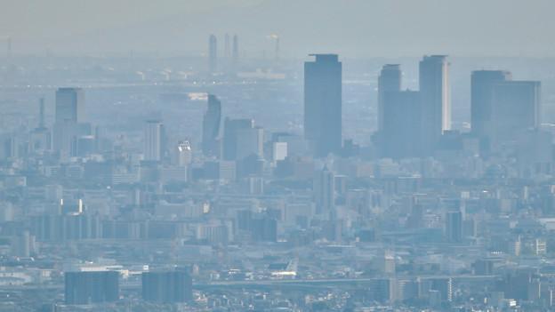 弥勒山 山頂展望台から見た景色 - 26:ささしまライブと名駅周辺のビル群