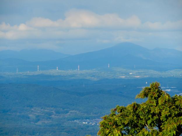 弥勒山山頂の展望台から見た景色 - 12:多治見方面の山