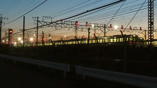 Photos: 夕暮れ時の神領車両区 - 1