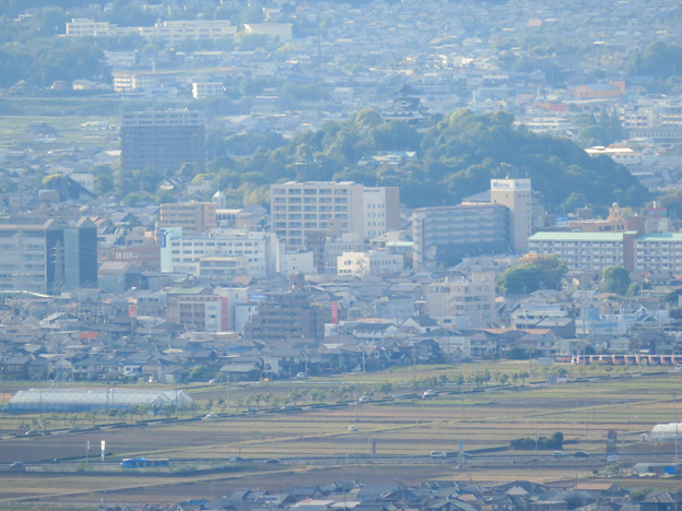 本宮山頂上手前の展望スペースから見た景色 - 5:犬山城