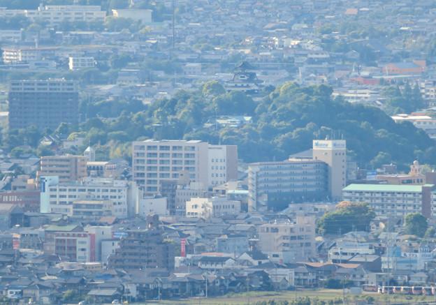 本宮山頂上手前の展望スペースから見た景色 - 6:犬山城