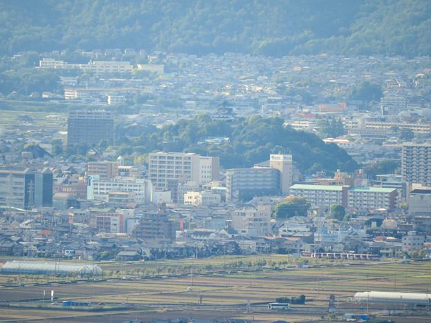 本宮山頂上手前の展望スペースから見た景色 - 8:犬山城