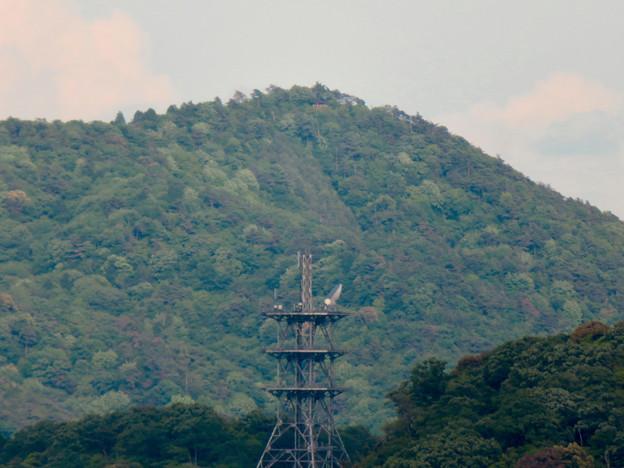 本宮山頂上手前の雨宮社から見た景色 - 24:弥勒山の展望台