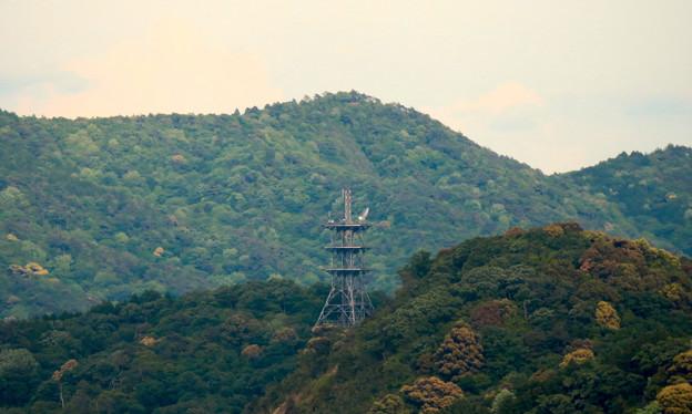 本宮山頂上手前の雨宮社から見た景色 - 26:弥勒山の展望台