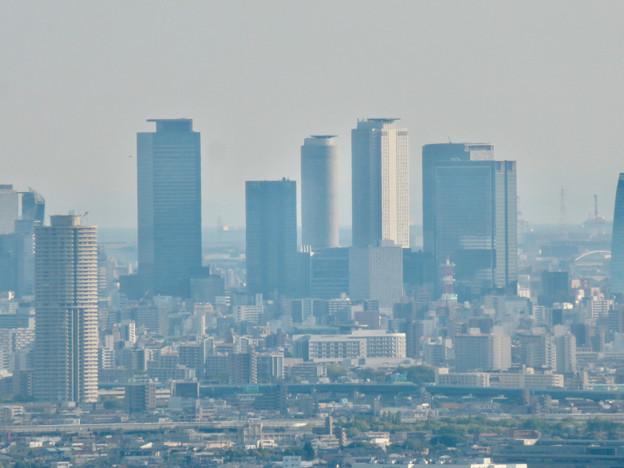 本宮山頂上手前の雨宮社から見た景色 - 30:名駅ビル群