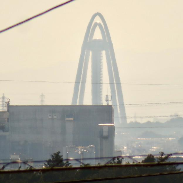 大縣神社の駐車場から見たツインアーチ138