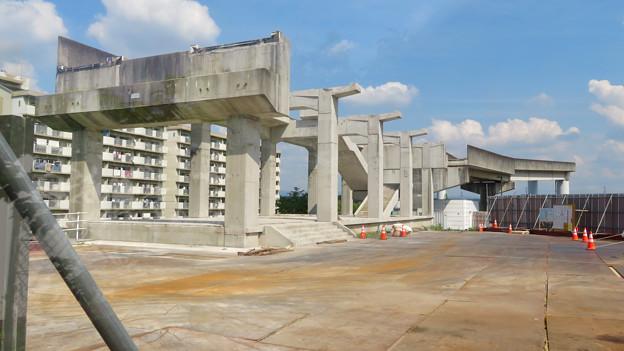 骨組みだけになっていた解体工事中の桃花台線桃花台東駅(2020年5月23日) - 7