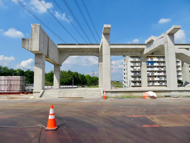 骨組みだけになっていた解体工事中の桃花台線桃花台東駅(2020年5月23日) - 9