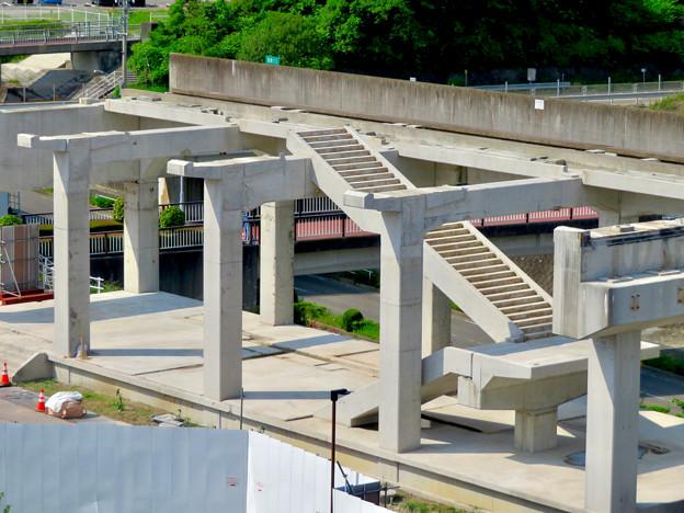 骨組みだけになっていた解体工事中の桃花台線桃花台東駅(2020年5月23日) - 16