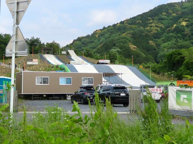 国道19号沿いにあるスキー・スノーボードジャンプ練習施設「愛知クエスト」 - 2