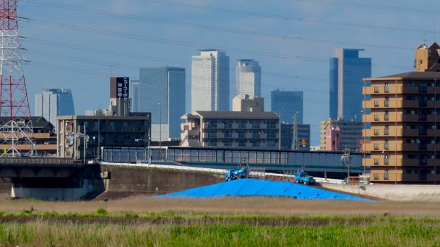新川沿いから見た名駅ビル群 - 2