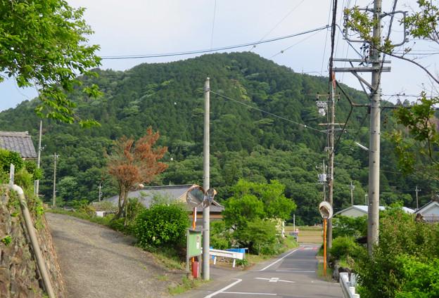北側から見た本宮山 - 1