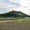 Photos: 入鹿池近くのコンビニから見た本宮山 - 1