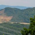 Photos: 尾張富士山頂から見た景色 - 12:白山と採石場