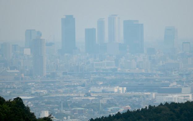 尾張富士山頂から見た景色 - 17:名駅ビル群と県営名古屋空港
