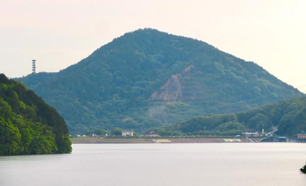 入鹿大橋から見た景色 - 2:本宮山