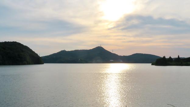 入鹿池沿いから見た尾張富士 - 4