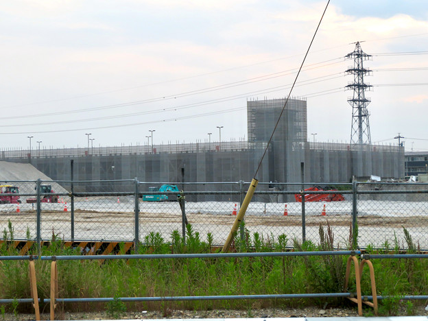 旧ザ・モール春日井跡地(2020年6月6日) - 3:奥の駐車場?も解体?