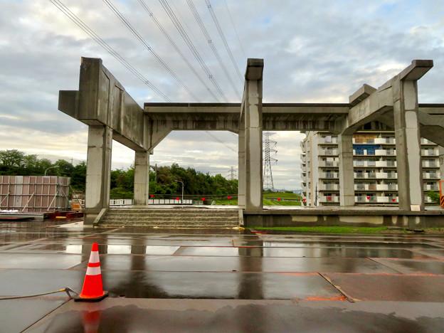 解体工事中の桃花台線桃花台東駅(2020年6月13日) - 11