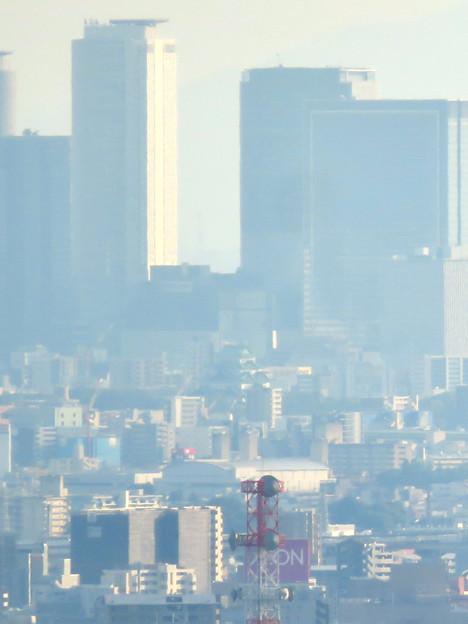 西高森山の山頂から見た景色 - 8:名古屋城と名駅ビル群